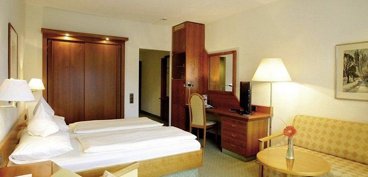 Dorint Seehotel Resort Bitburg Sudeifel Biersdorf Am See Gunstig Buchen Its