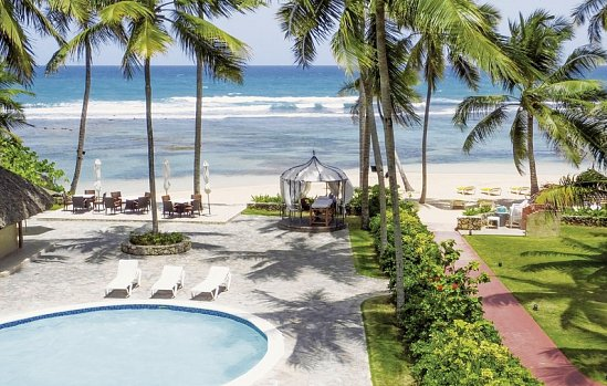 Playa Esmeralda Beach Resort