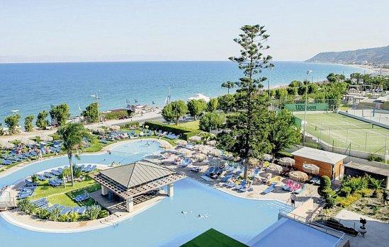 Oceanis Beach
