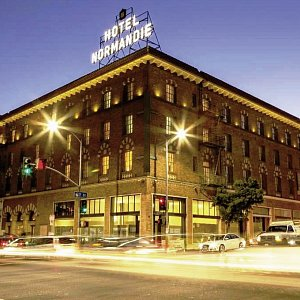 Hotels hotelcharts normandie position 1 bis 100 for Adagio rouen