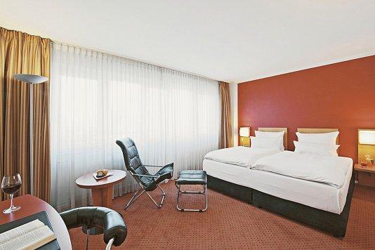 Nh Hotel Berlin City Ost Berlin Gunstig Buchen Its
