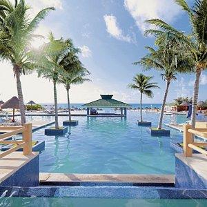Iberostar Cancún Golf & Spa Resort