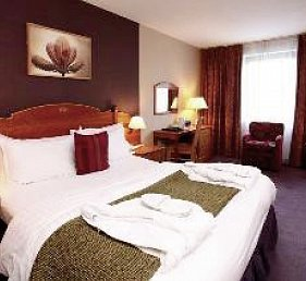 Best Western Plus Cedar Court