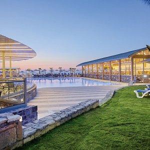 Arina Beach Resort & Bungalows